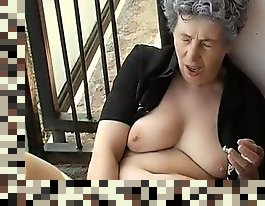 mature granny masturbation